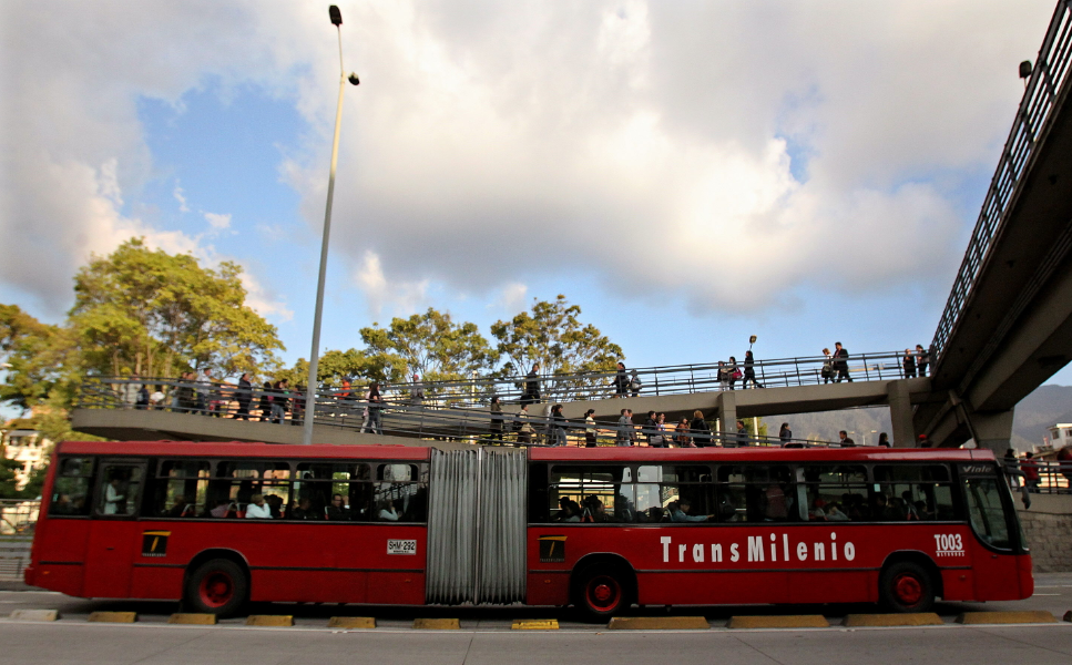 Se descartó posible paquete explosivo en estación de Transmilenio