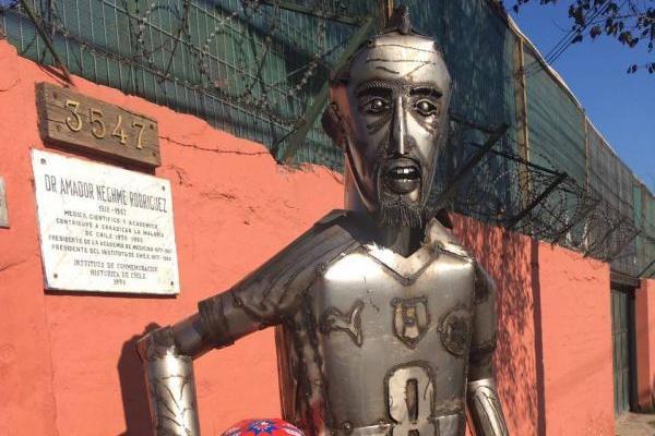 La estatua de Vidal en Pinto Durán