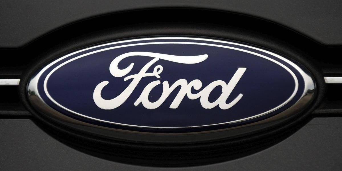 Ford retira vehículos tras estallido fatal de inflador