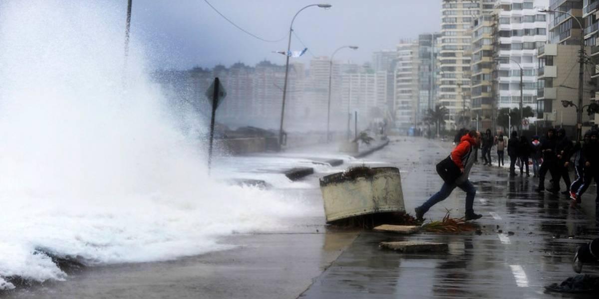 Alerta por marejadas en las costas del país: olas llegarán hasta los 4 metros de altura