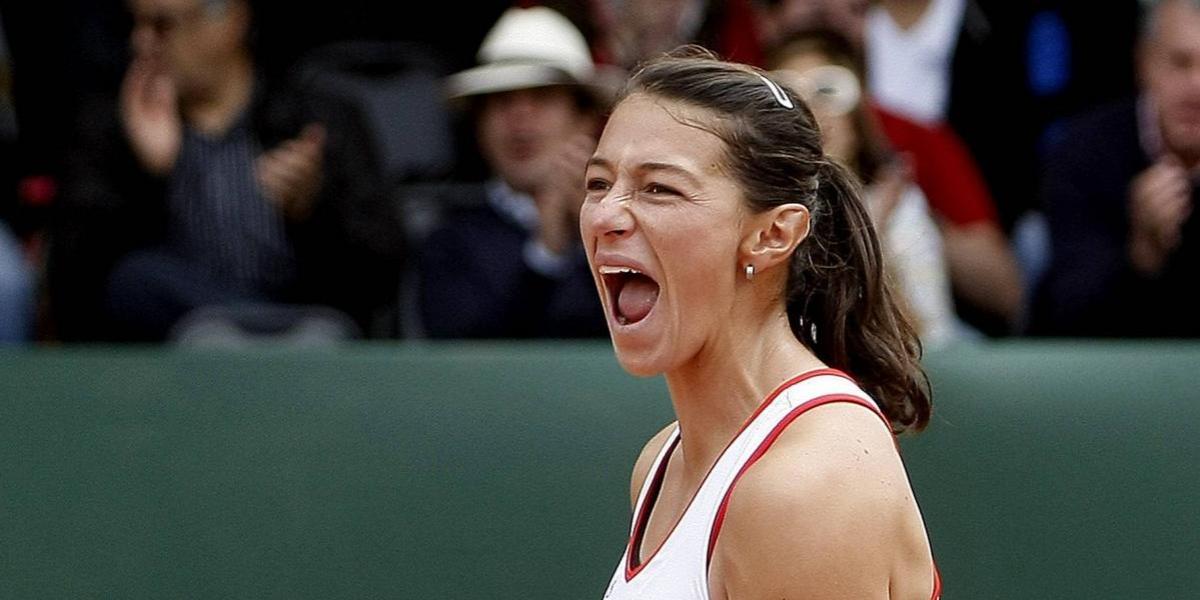 ¡Triunfazo! Mariana Duque gana agónicamente y avanza en Roland Garros