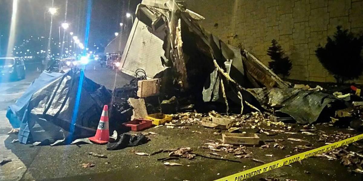 Dos muertos deja desbarrancamiento de camión en Talcahuano