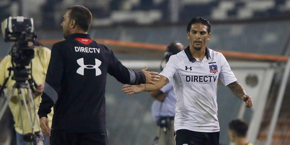 Gerente deportivo de Colo Colo explicó la situación contractual de Paulo Garcés y Mark González