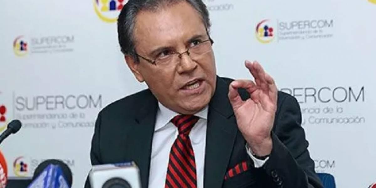 Contraloría ratifica destitución de Carlos Ochoa