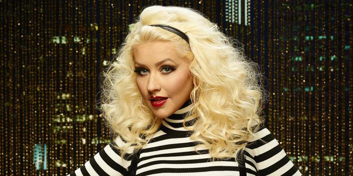 En un video, Christina Aguilera comparte imágenes de su vida privada y familia