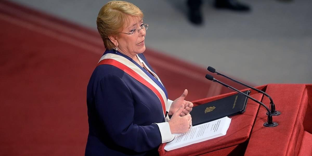 Bachelet destaca cifra de creación de empresas y bajo desempleo pese a desaceleración