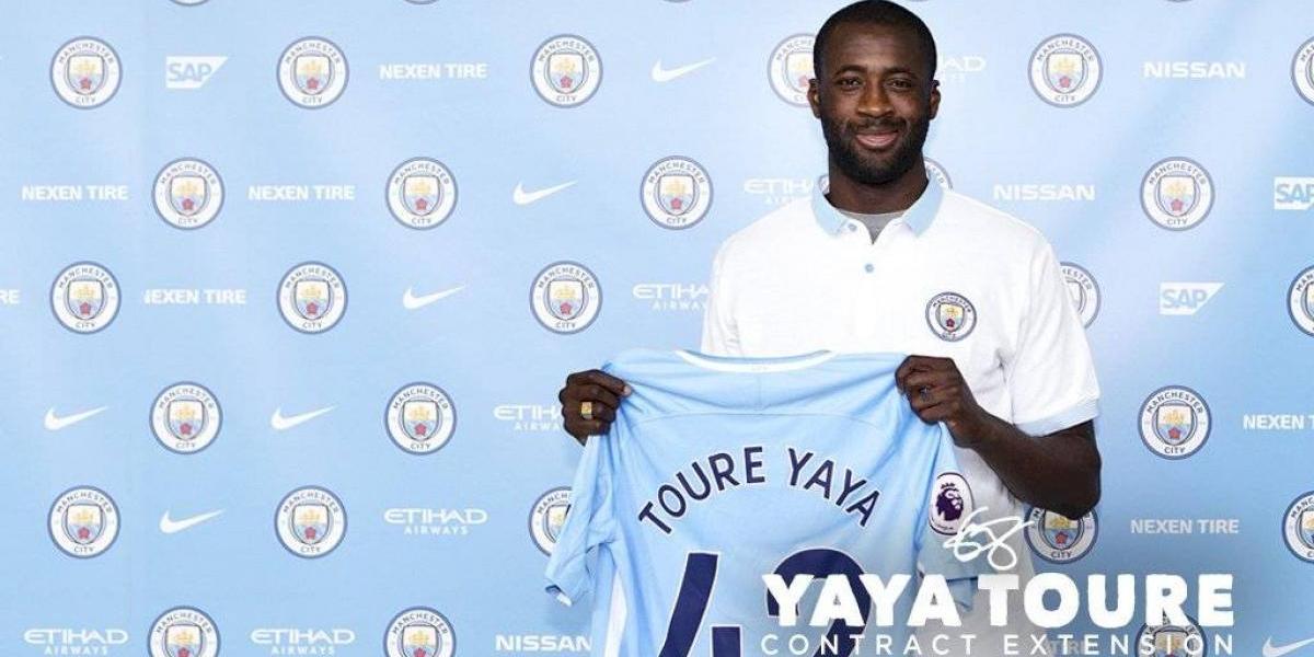 Yaya Touré seguirá defendiendo la camiseta del Manchester City hasta el 2018