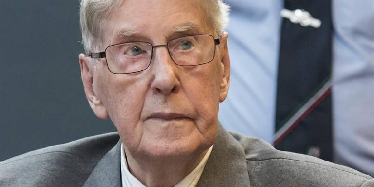 Muere guardia nazi de Auschwitz, el último condenado en juicios tardíos