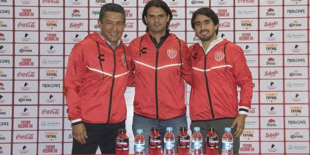Necaxa presenta a Mario Hernández Lash como su nuevo director deportivo