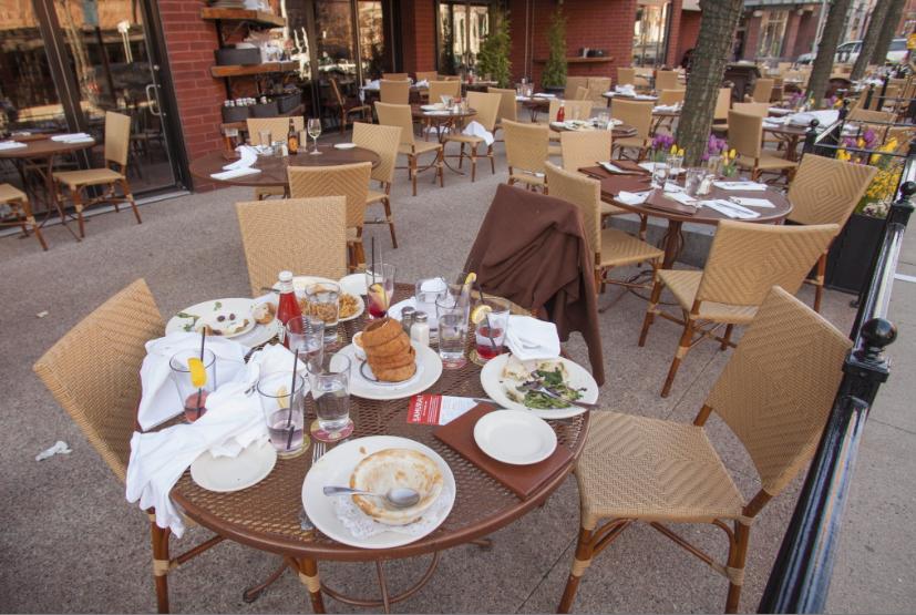 El misterio de las mesas en la calle 11 de Bogotá