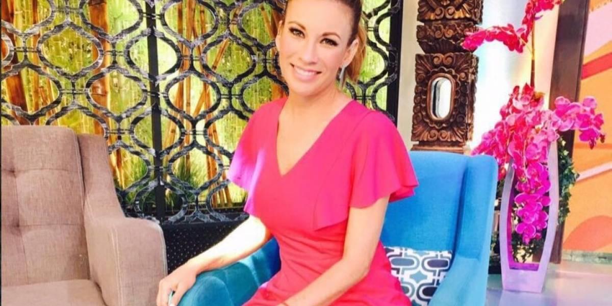 Ingrid Coronado es víctima de burlas por caerse en programa en vivo