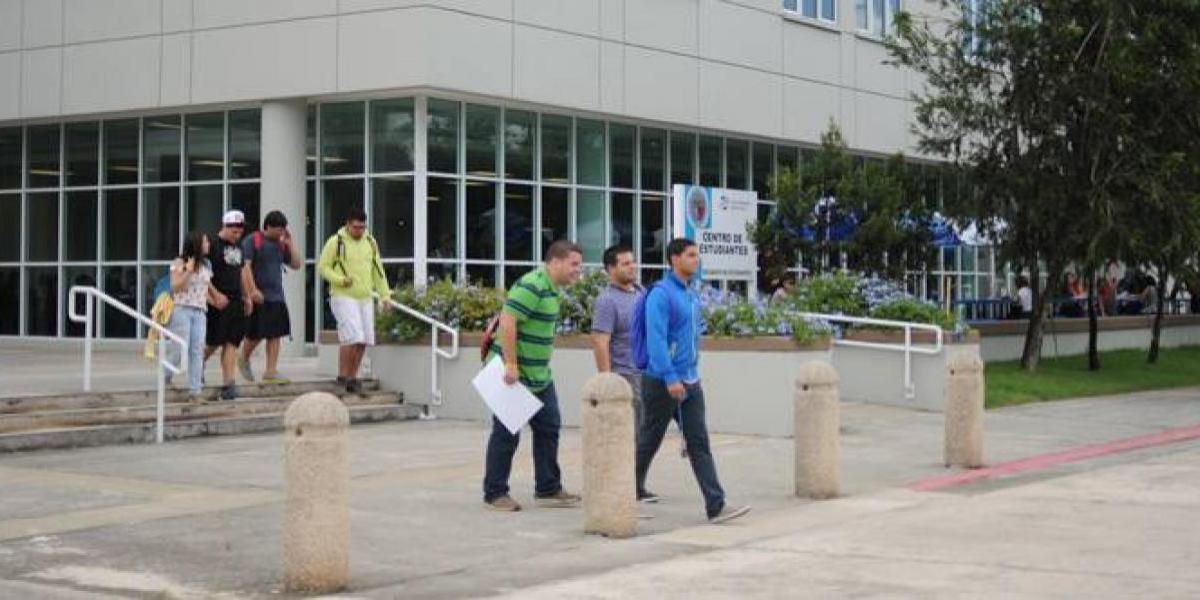 UPR Bayamón se quita de la huelga
