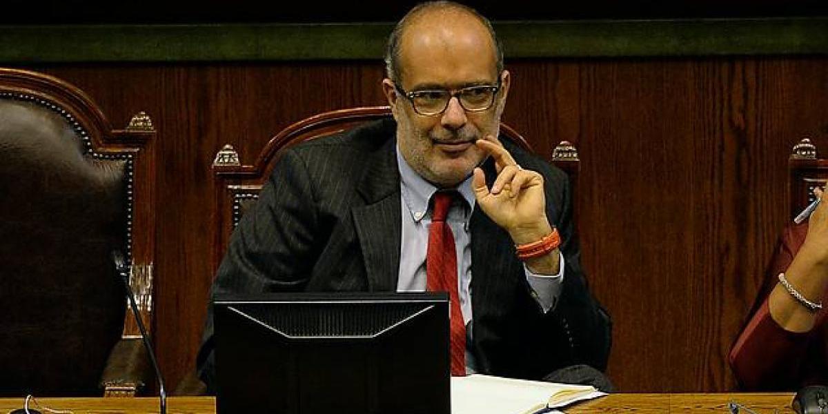 Ministro de Hacienda indica que nuevo administrador público de pensiones requiere cambio constitucional