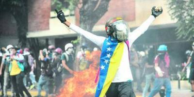 Maduro anunció que nueva constitución será sometida a referéndum
