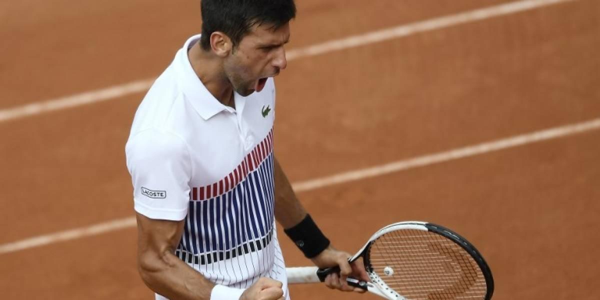 Djokovic sufre a cinco sets contra Schwartzman para meterse en octavos de Roland Garros