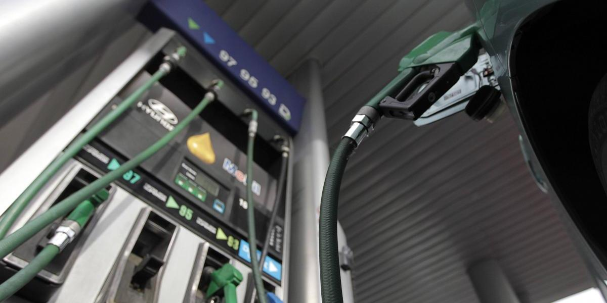Precio de las bencinas otra vez subiría este jueves