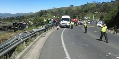 Ambato: Urgente! Fatal accidente de tránsito en la vía Guaranda
