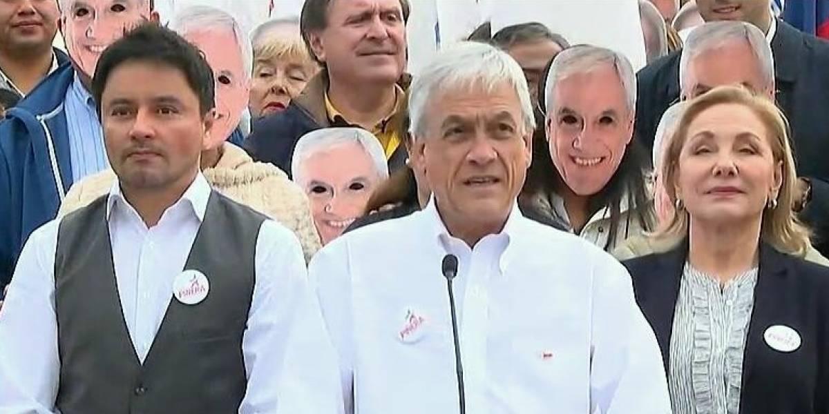 """""""Necesito una para Halloween"""": máscaras de Piñera generan ola de comentarios en Twitter"""