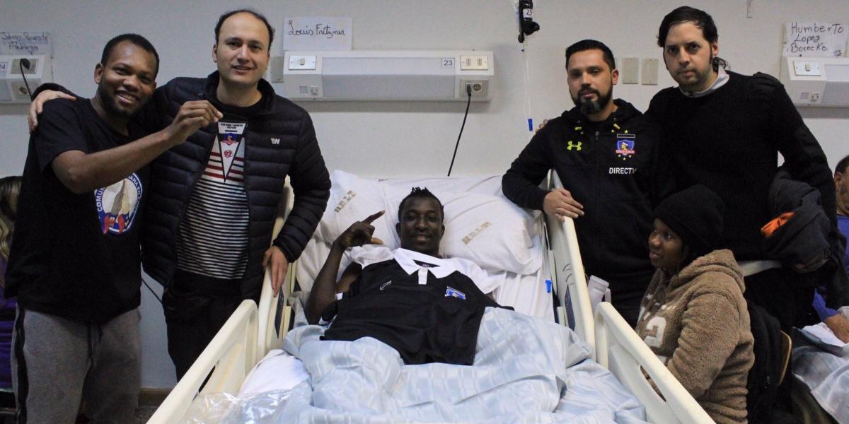 Colo Colo regaló camiseta y visitó a ciudadano haitiano que sufrió ataque xenófobo