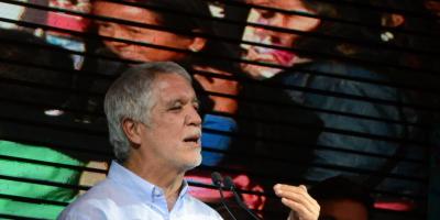 Enrique Peñalosa admitió que no tiene maestría ni doctorado — Audio