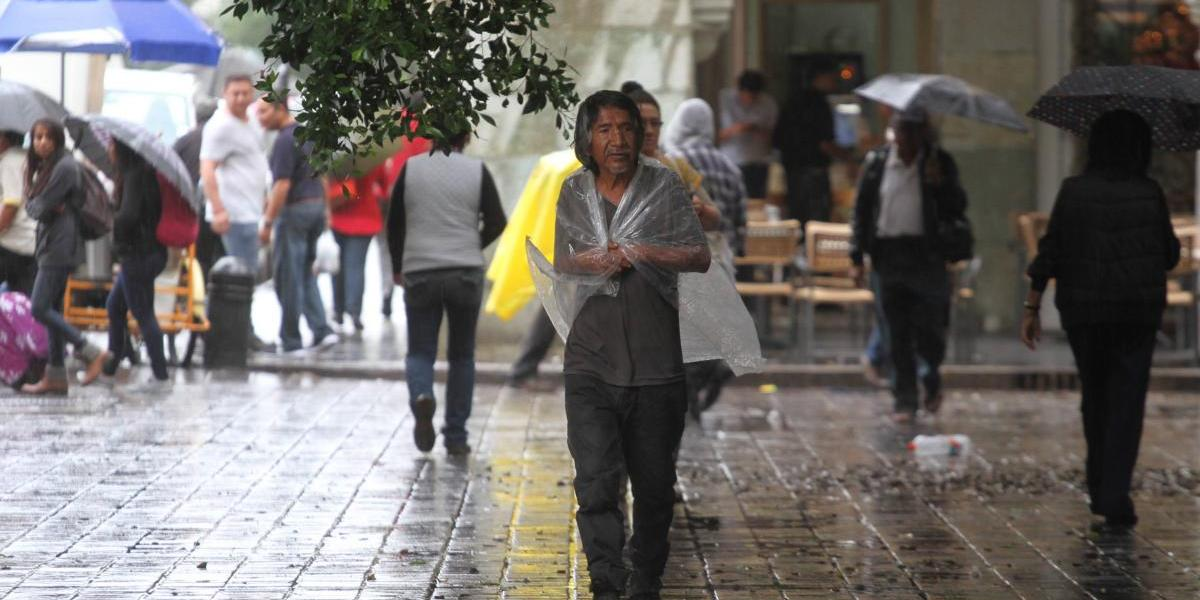 """Beatriz"" se debilita a depresión tropical, pero continuarán las tormentas"