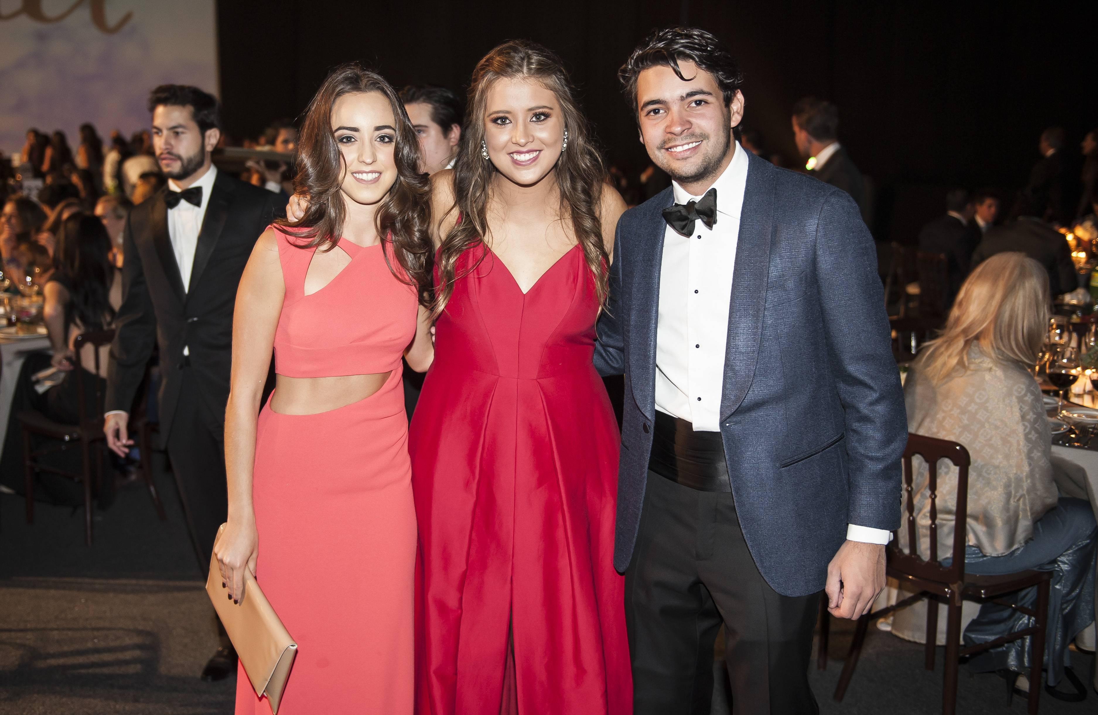 Mariana Roldan, Julia Ramírez y Ernesto Navarro JDS