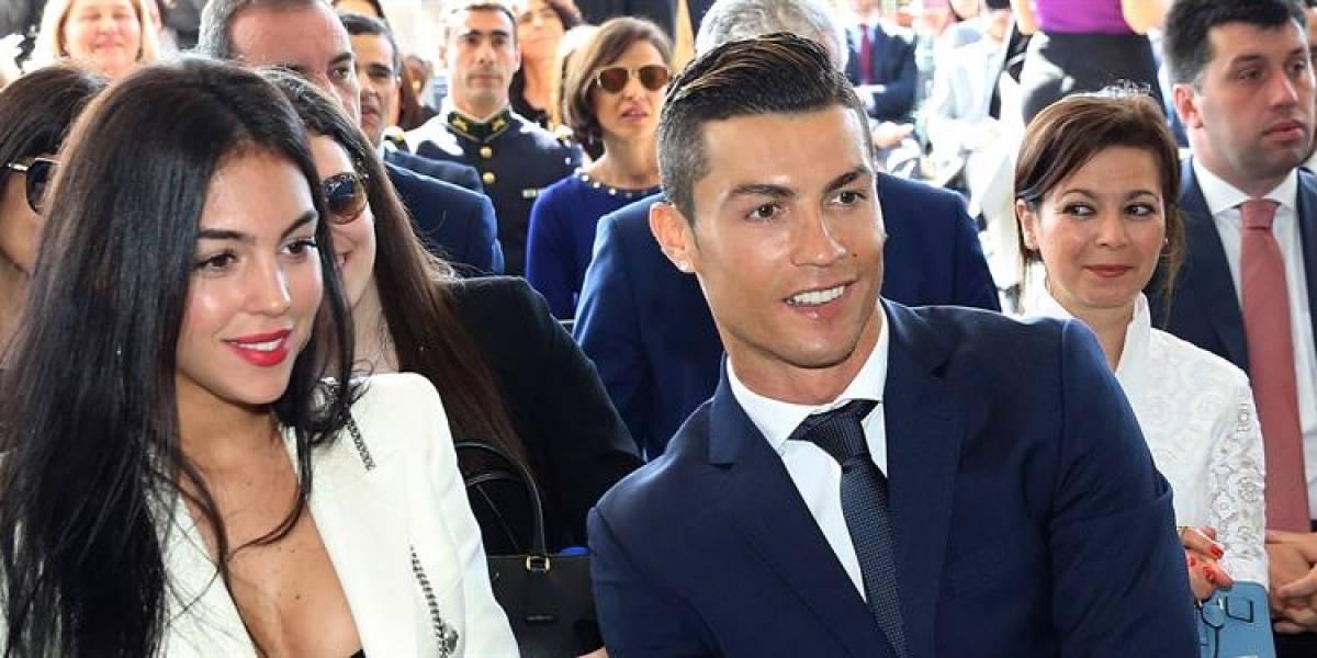 ¡Tarjetazo! Cristiano Ronaldo y su novia imitan a Iker Casillas y Sara Carbonero