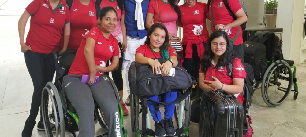 Marichuy (izquierda) fue plusmarquista en Paralimpiadas nacionales y representante en los Parapanamericanos de Toronto 2015 GOB.MX