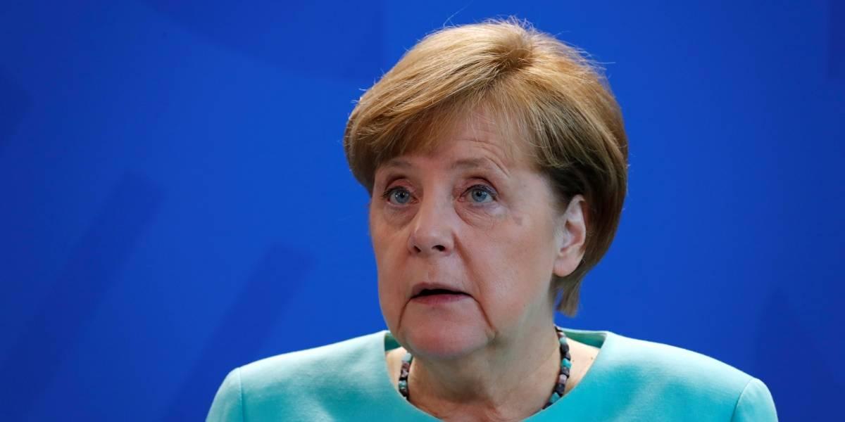 Merkel volta a apresentar tremores em público; chanceler sofreu três episódios num mês