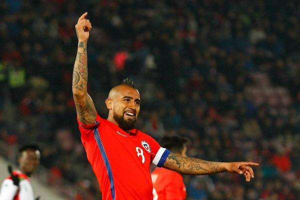 Arturo Vidal consiguió su quinto doblete por la Roja ante Burkina Faso / Photosport