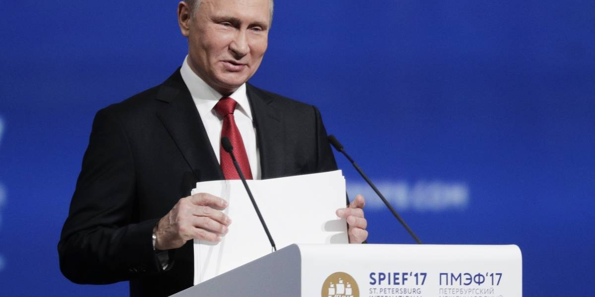 Putin se burla de denuncias de injerencia en elecciones de EE. UU.