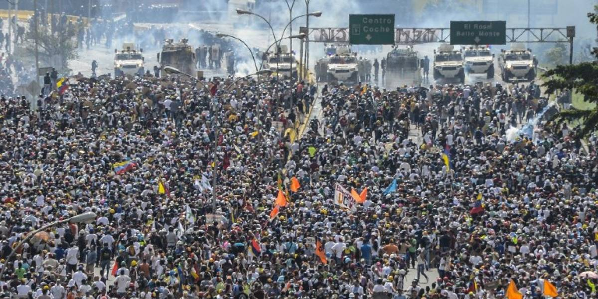 Muere mujer en protesta en Venezuela y suben a 62 los fallecidos en manifestaciones