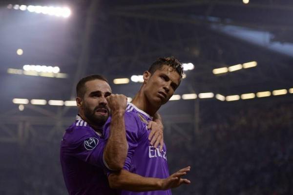 Dani Carvajal fue uno de los mejores socios de CR7 en el nuevo título del Madrid en la Champions / AFP