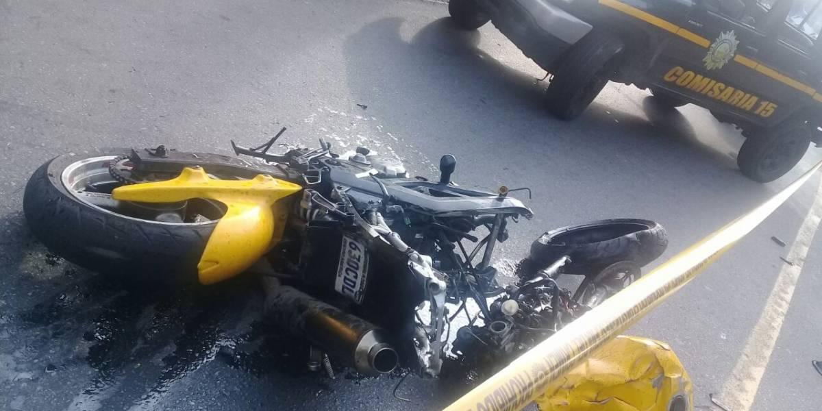 Fuerte carga vehicular hacia Villa Nueva por accidente que dejó un fallecido