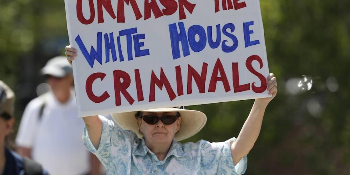 Miles marchan en EU para exigir investigación Trump- Rusia