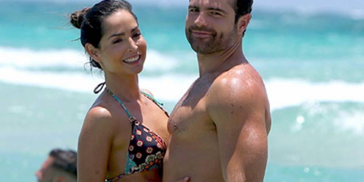 ¿Carmen Villalobos besando a otro hombre que no es su novio?
