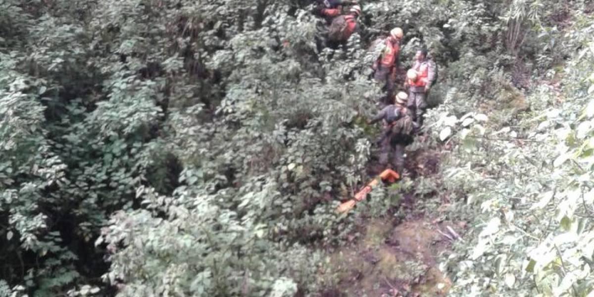 Localizan con vida a uno de los tripulantes de la avioneta accidentada