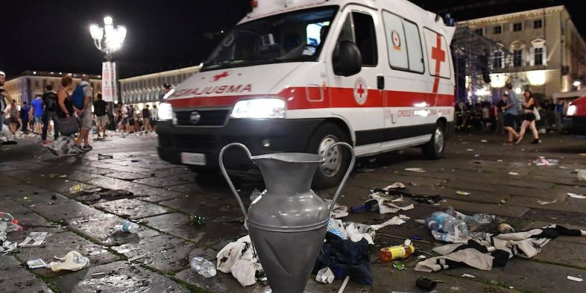Cinco heridos graves y 400 leves tras estampida de aficionados en Turín
