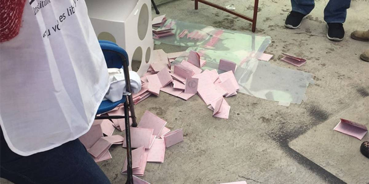 Sujetos armados roban casilla en Ecatepec