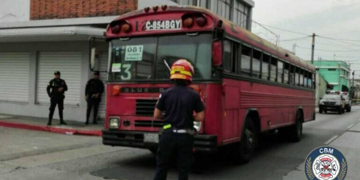 Ataque armado a bus urbano en la 12 avenida de la zona 1 deja 3 heridos