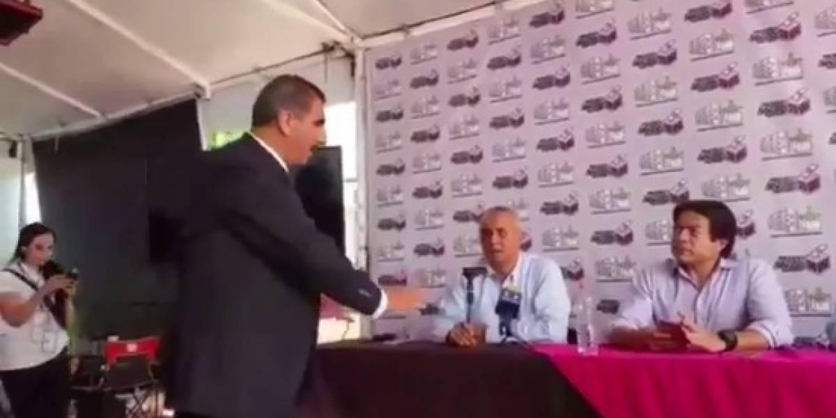 Presidente del Instituto Electoral de Nayarit interrumpe conferencia de Morena
