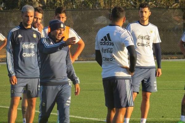 Sampaoli contó con 7 seleccionados en su primera práctica a cargo de Argentina / @argentina
