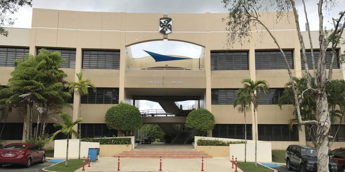 Universidad Central de Bayamón inaugura campamento de robótica