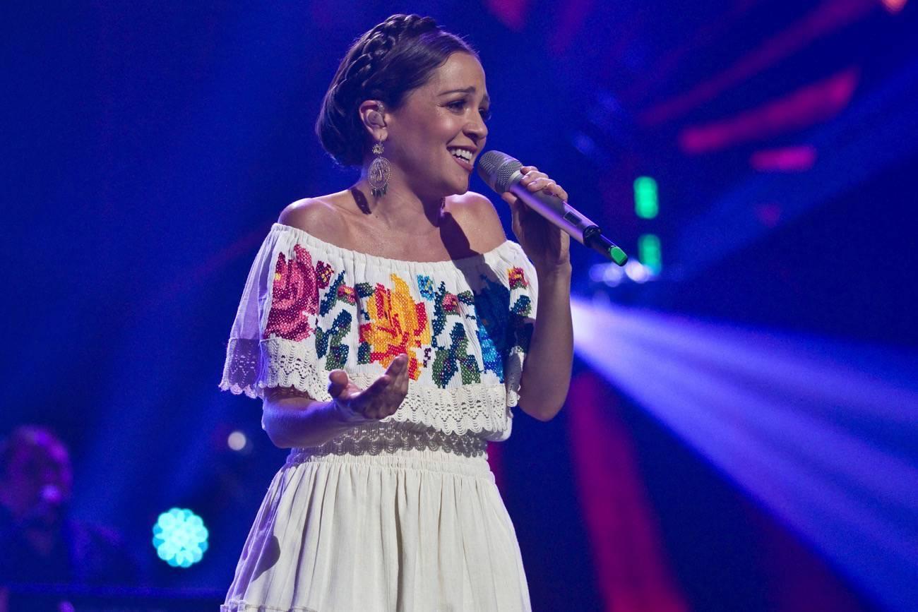 natalia-lafourcade-premios-mtv-miaw-2017.jpg