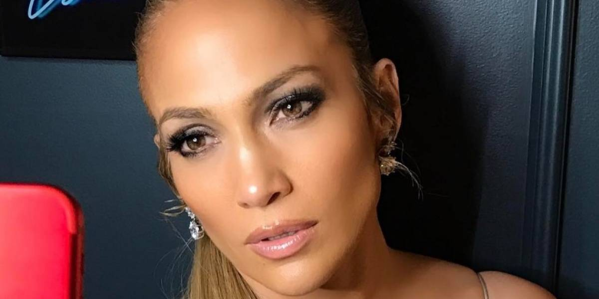 Jennifer Lopez comparte video sin gota de maquillaje