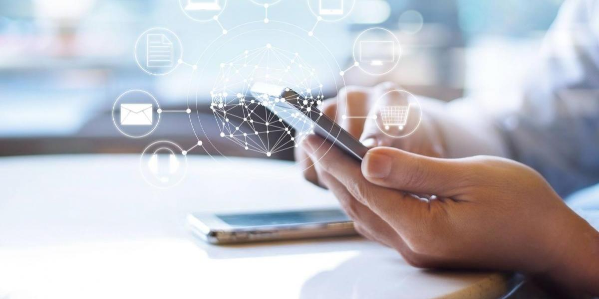 Médicos advierten sobre enfermedad causada por el uso del celular