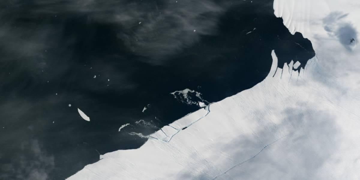 Gigantesco iceberg a punto de separarse de la Antártida