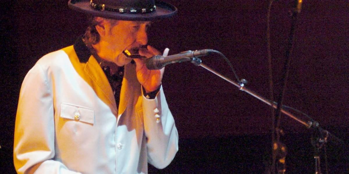 Tras enviar su discurso, Bob Dylan ya puede cobrar los 819.000 euros del Nobel
