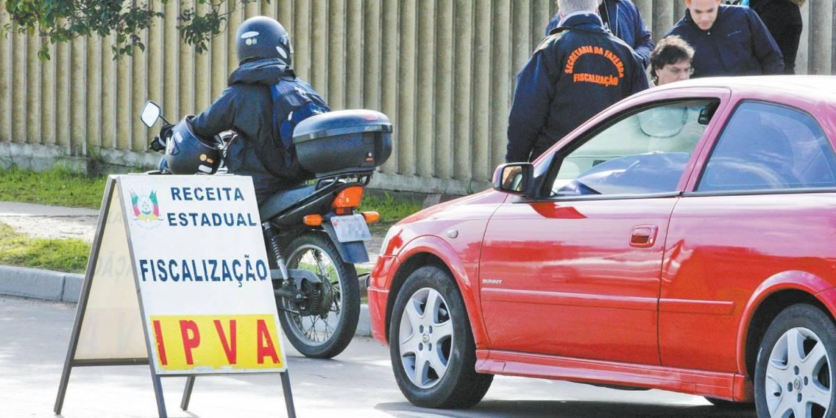 IPVA: carro com placa final 5 tem prazo para pagar imposto até esta sexta
