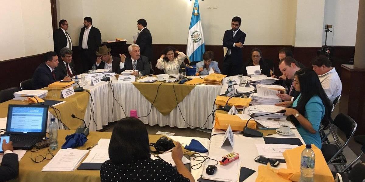 Comisión legislativa inicia a conocer tachas contra aspirantes a titular de la PDH